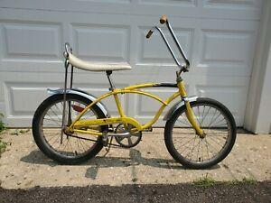 """Vintage 1971 Schwinn Stingray """"De Luxe"""" Bicycle!"""