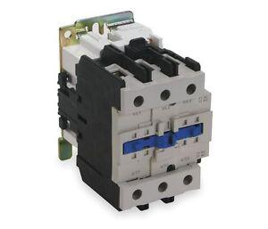 Dayton 120 VAC Contactor IEC Magnetic 3 Pole 95 Amp 2UXT2