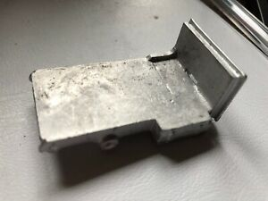 Dinky Short 4 Wheel Chassis Code 3 Bedford Commer White Spare Part Metal Casting