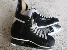 Kids Bauer Ice Skates Size 4 D Pre Owned