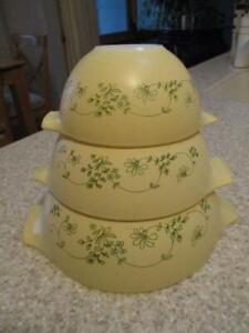 Vtg Shenandoah Pyrex CINDERELLA Nesting Yellow Mixing Set Of (3) Bowls 441-443