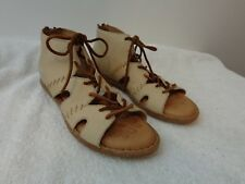 NEW BORN Women Sz 6 NEA GLADIATOR SANDALS Nubuck Leather Lace Back Zipper TAUPE