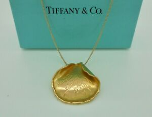 Authentic Vintage Tiffany & Co. Cummings Rose Petals Necklace in 18k Yellow Gold