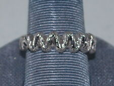 10k White Gold ring with beautiful design