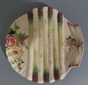 Assiette ancienne à asperge barbotine Wasmuël BELGIQUE en forme de coquille