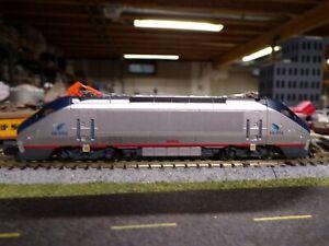 Bachmann Amtrak HHP-8 (DDC)