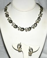 Vintage 1950s Lisner Ribbed Flowers Silver Tone Necklace & Clip Earrings Set