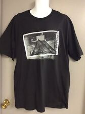NEW w/TAG—BLACK W/Museum Pic—ROCK and ROLL HALL OF FAME T-SHIRT—--XL  (J)