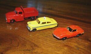 3 - HO scale Plastic Vehicles Life Like? - Corvette, Dump Truck, Taxi