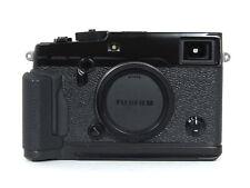 FUJI Fujifilm X-PRO 2 Corpo + Handgrip SC. 33.000 - Buono Stato - senza scatola.