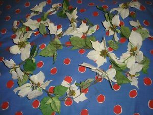 Christmas Wall Hanging Garland with Flowers.