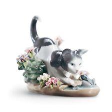 Lladro Kitty Confrontation Figurine 01001442