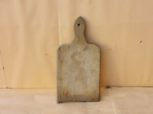 OLD ANTIQUE PRIMITIVE WOODEN WOOD BREAD CUTTING BOARD PLATE