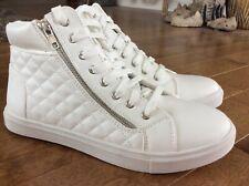 Xhilaration Hazel Quilted Hi-Top Sneakers - Zipper Detail White Hi Top 9.5 New!