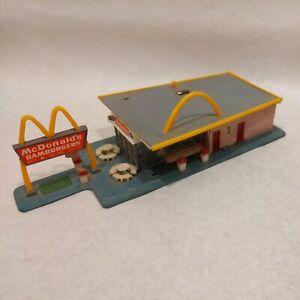 Vintage HO Scale McDonalds Building - Missing pieces
