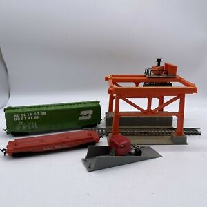 """VINTAGE TYCO RAILROAD TRANSFER STATION WITH 9"""" TRACK W/ Accessories"""