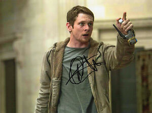 Jack O'Connell, English actor, Money Monster, signed 8x6 inch photo. COA. Proof.
