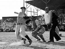 AWESOME SHOT OF JOE DIMAGGIO  AND HIS CLASSIC SWING YANKEES  photo 8x10 !!