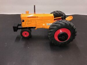MM Minneapolis Moline Pulling Tractor Special Edition LFS 2002