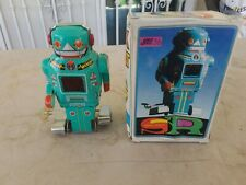 Vintage Wind-Up   Spark Robot JMT 36  c.1985