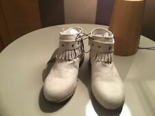 Girls fringed ankle boots  -size 13 eu 32