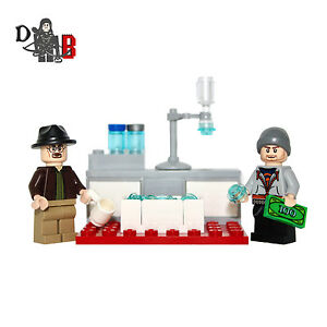 Custom Breaking Bad Walter & Jesse Minifigures with lab. Made using LEGO parts.