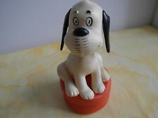 Hund Wendelin auf Kissen von Loriot Sammler