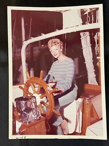 """Vintage MARY HARTLINE At The Helm, """"HARTLINE"""" Yacht, 5x7 Color"""