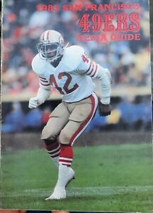 1983 San Francisco 49ers  Media Guide Hall of Famer RONNIE LOTT cover Montana