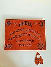 Tavola Ouija con planchette esoterismo sedute spiritiche incisa sul legno