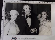 Photo MICHAEL CAINE/JOAN COLLINS/VALENTINO /tirage original/presse/argentique