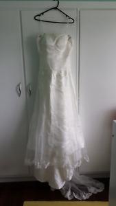 Size 12 Strapless Wedding Dress gown w / Lace Jacket