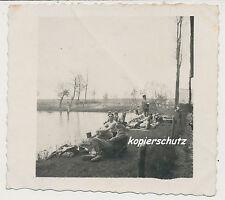 Foto Polen-Wehrmacht Soldaten Ort ? beim Baden 2.WK (567)