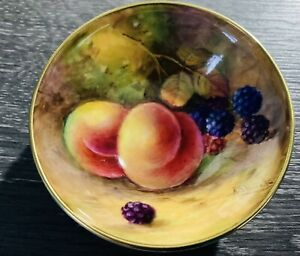 ROYAL WORCESTER HAND PAINTED FRUIT DISH SIGNED A SHUCK