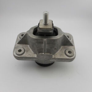 NEW LAND ROVER DISCOVERY L462 ENGINE MOUNT LR056882