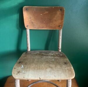 Great vintage school chair in metal and wood from the 1960s