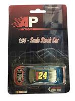 1:64 Scale Jeff Gordon #24 Dupont NASCAR Diecast Vehicle 2001 Action Motorsports