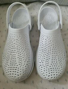 Skechers Cali Gear Ultra Go EUC Womens White Perforated Clogs Shoes Size 8