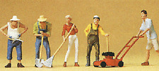 HO Preiser 10463 Gardeners / People Working in Garden FIGURES (with Lawn Mower )
