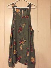 Torrid Size 4 Floral Print Georgette Mock Neck Keyhole Cami sleeveless