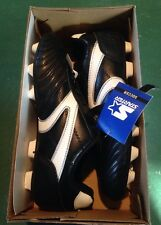 NEW with original box, Youth Soccer Cleats Size 6 US, 24.5 Mex Shoes