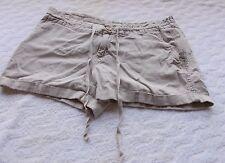 Old Navy Women's Shorts Size 6, Beige    GWB-71017-B-16