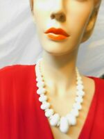 White Chunky Textured Lucite Graduated Beaded Necklace 22 Inches Vintage