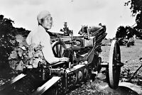 Chinese gunner sits near a 75 mm M1 howitzer WW2 photo 4x6 #1524