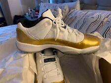 Air Jordan 11 low metallic gold size 6