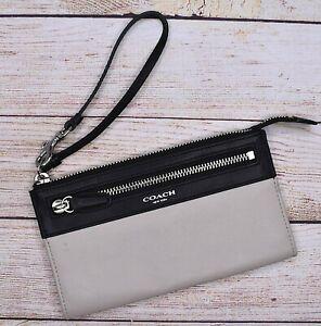 COACH Colorblock Legacy Cream Black Leather Wristlet Wallet