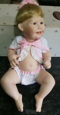 Ashton DRAKE cute As A Button Girl Doll In Pink Titus TOMESCU