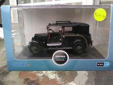 Oxford Diecast Black Austin Low Loader Taxi AT001 - Item