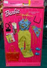 2001-BARBIE FASHION AVENUE-METRO STYLES: NEW ORLEANS STROLL-CAMERA,PLANE TICKETS