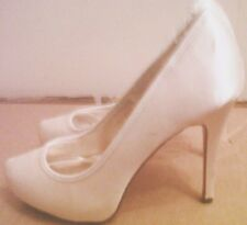 NEW LADIES IVORY WHITE WEDDING SATIN SHOES SIZE 5 HIGH HEELS LABEL ON THE BOTTOM